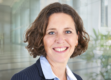 Marianne van Velsen, AA, Senior Manager (Outsourcing)