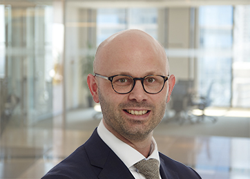Matthijs van Ooij, Mr., Senior manager btw